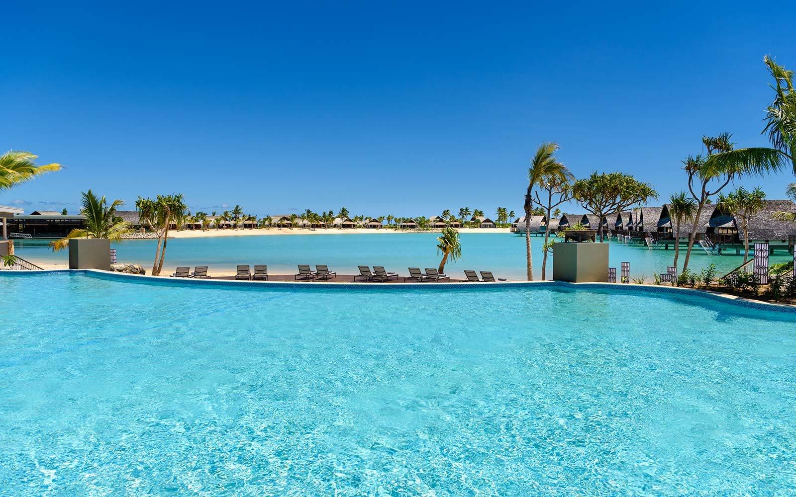 pool-fiji-marriott-OVERWATER0417.jpg