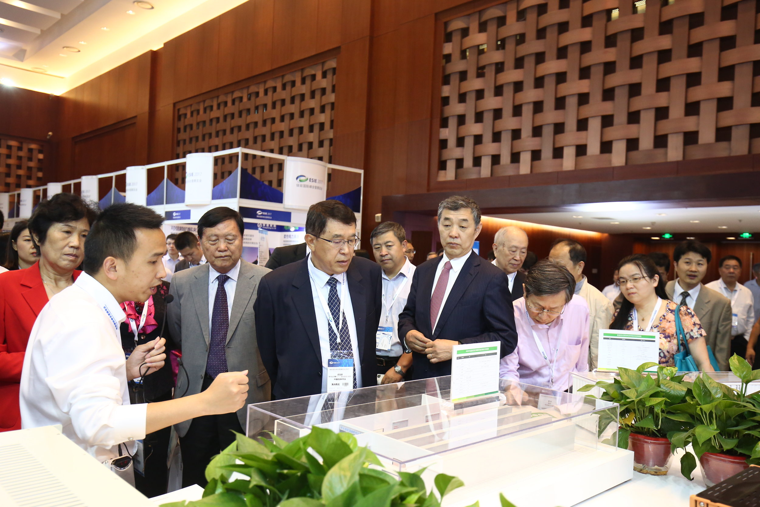 Government leaders tour the expo floor and connect with industry representatives to learn about new technologies