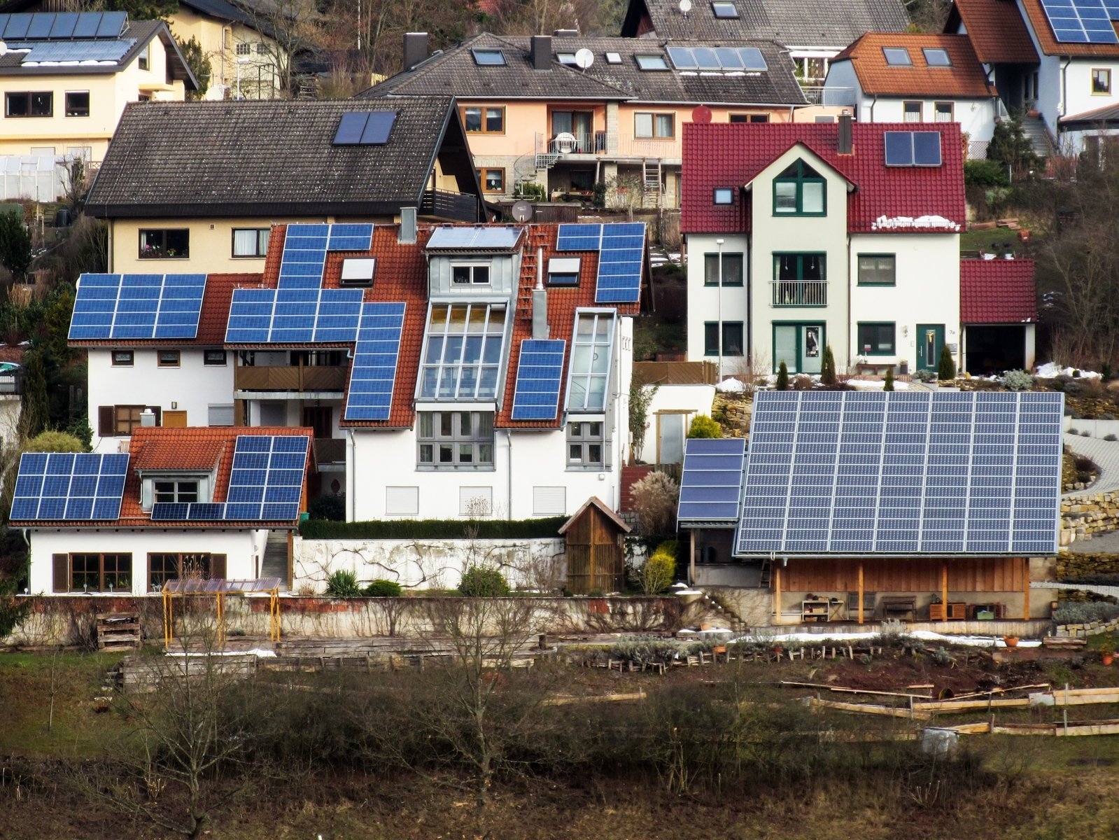 roofs-with-solar-panels-1202305.jpg