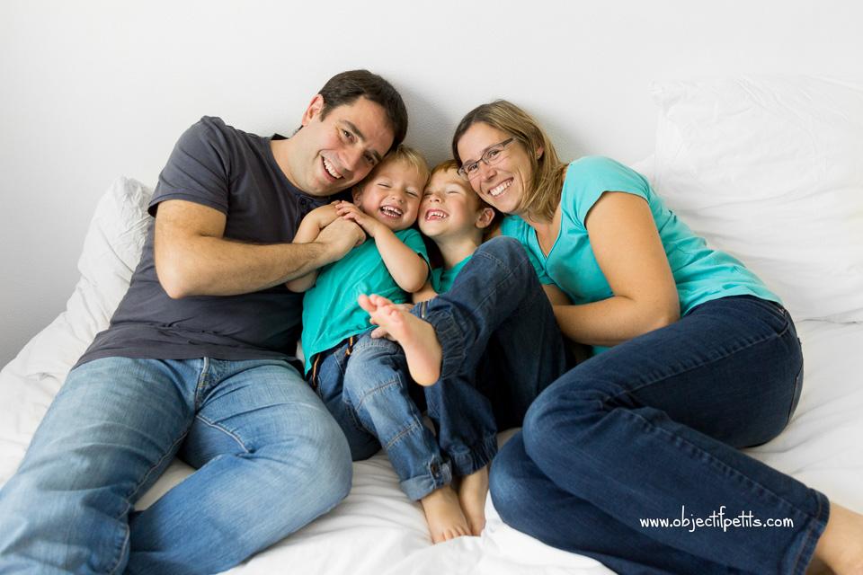 Seance photo en famille Objectif Petits, photographe de bébés, enfants et familles à Brest