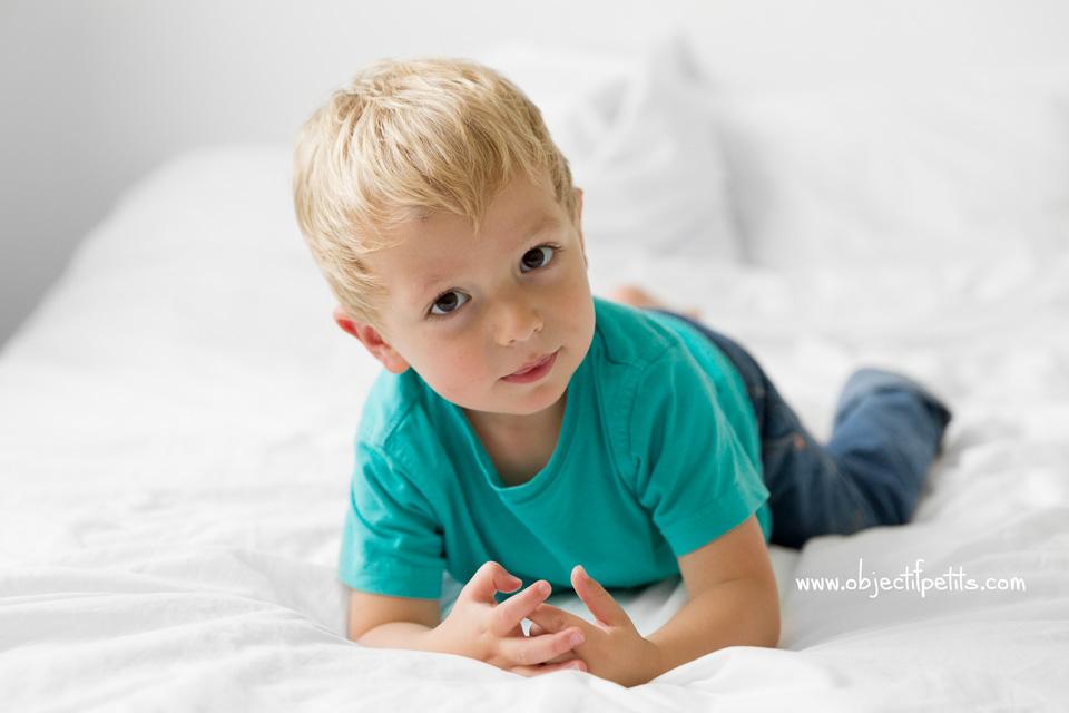 Seance photo en famille et en lumière naturelle,Objectif Petits, Photographe de bébés, enfants et familles à Brest