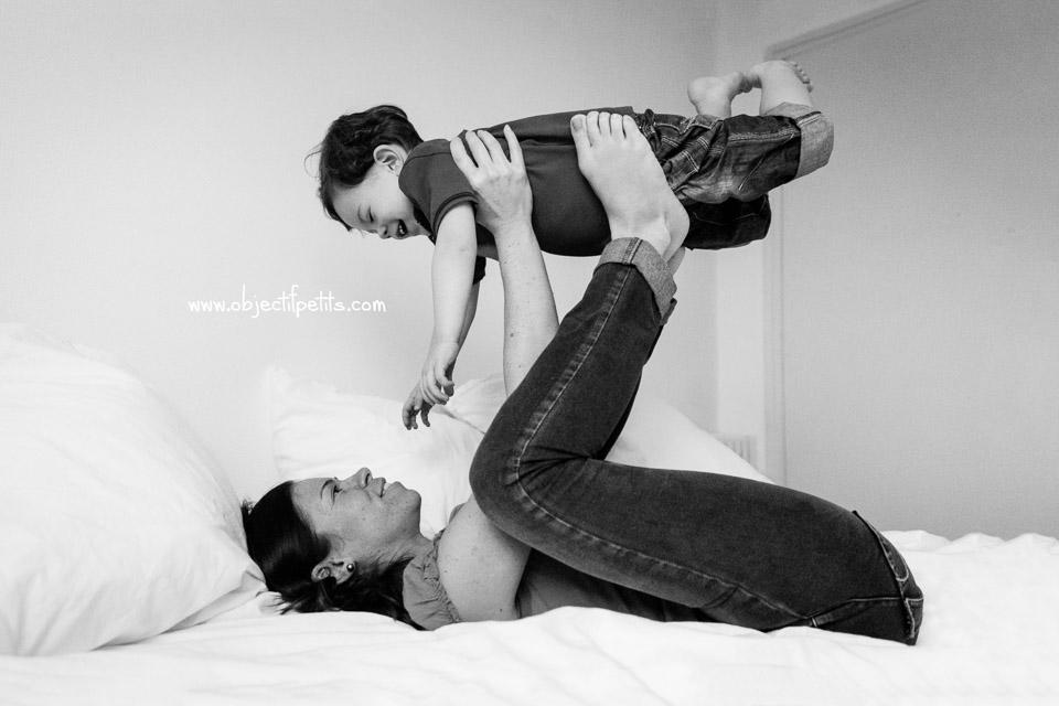 Séance photo en famille et en lumière naturelle, Objectif Petits,Photographe bébés enfants famille Brest Quimper Morlaix Finistère