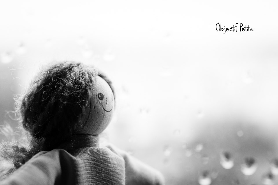 Un jour de pluie en Noir & Blanc | Objectif Petits | Photographe de Familles à Brest