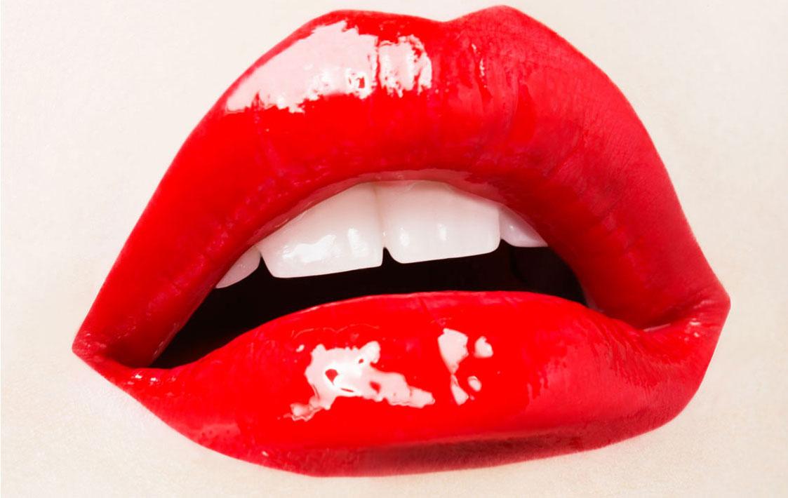 red-lip-gloss.jpg