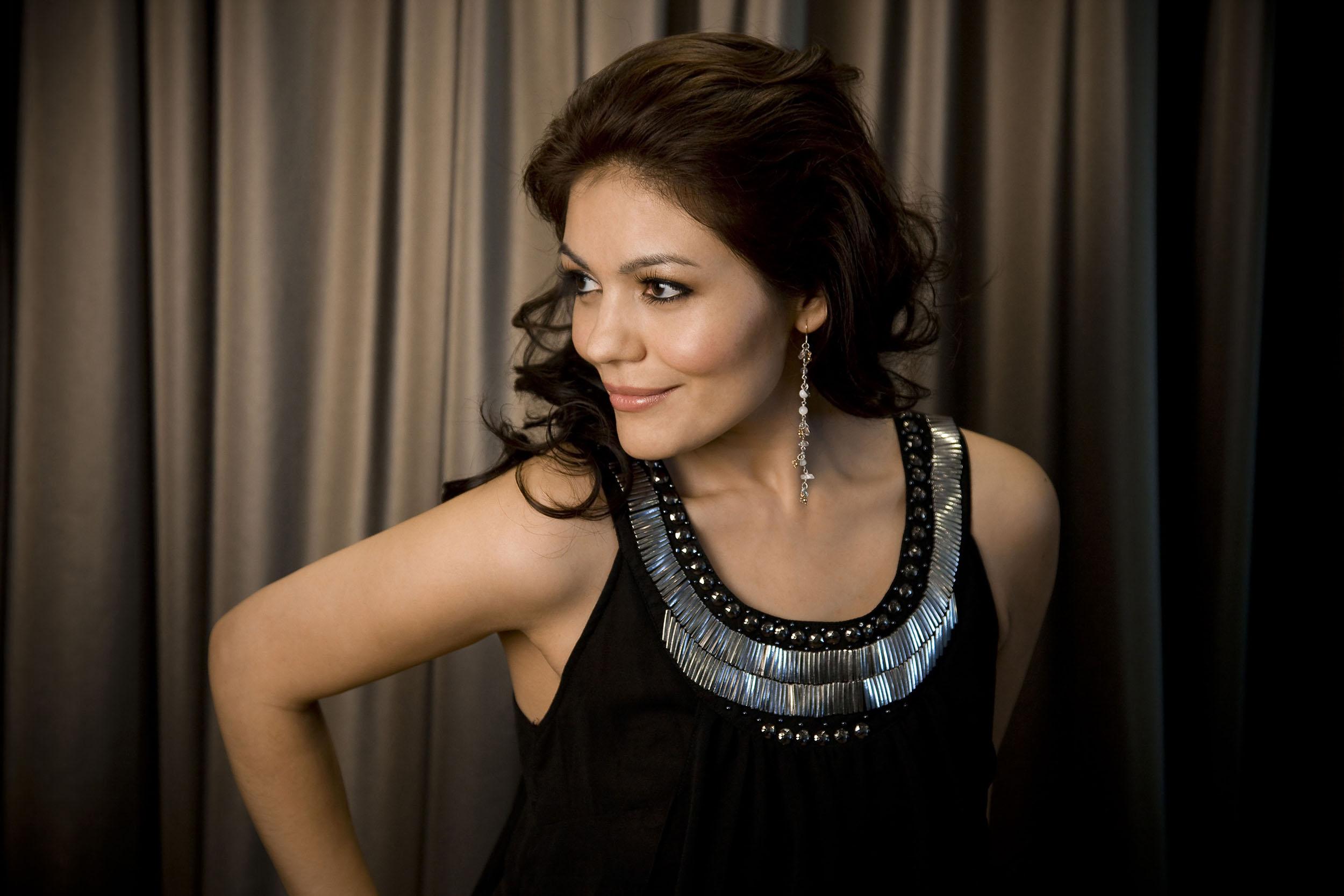 Ailyn Perez  Soprano