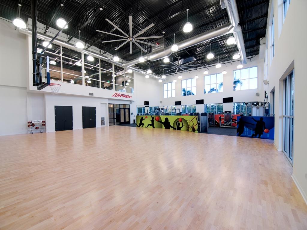 gym01 (reduced).jpg