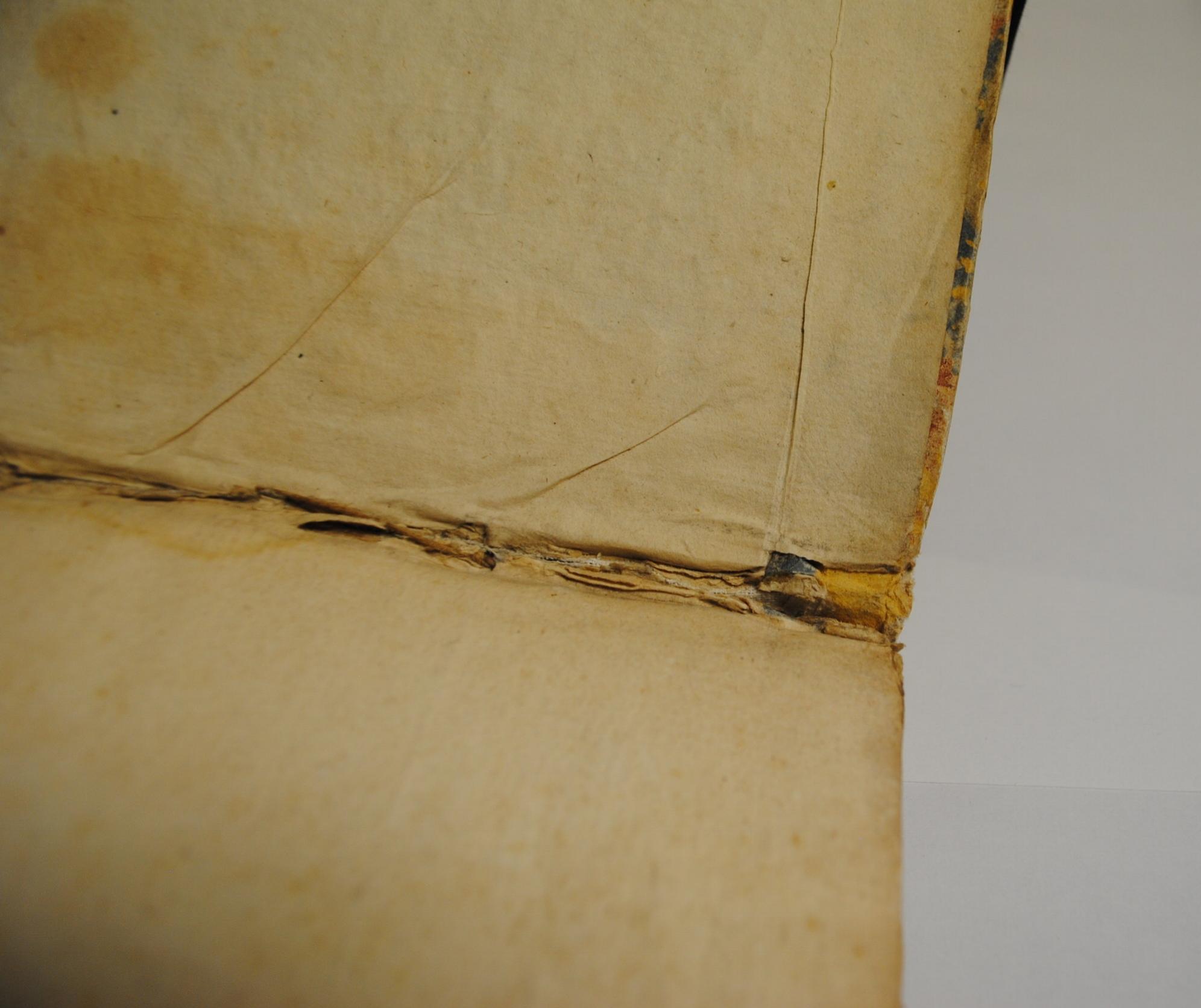 Inner hinge that requires repairing.