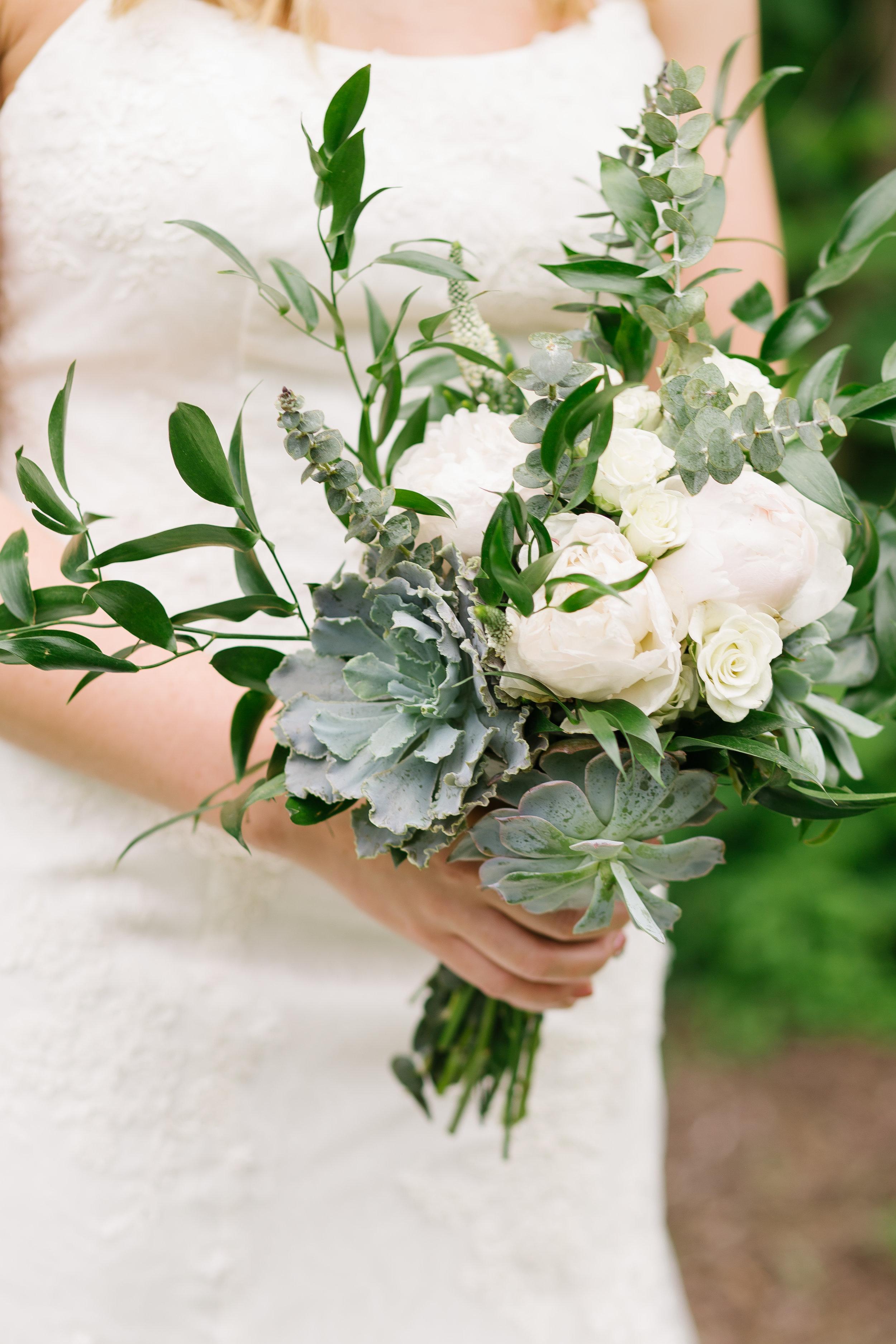 Connecticut Wedding Photographer | Lauryn Alisa Photography | www.laurynalisaphotography.com