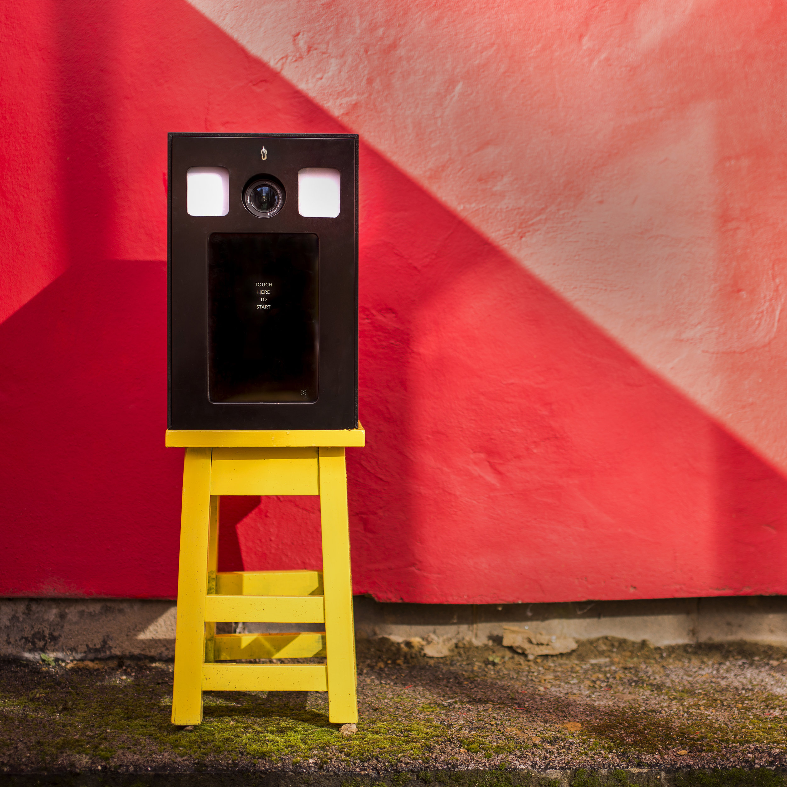 small and mobile customisable & branded outdoor event photo booth from The London Lightbox