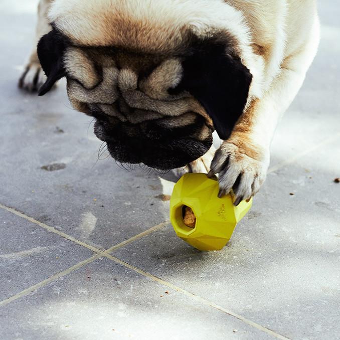 ZEE-DOG ZEE.DOG SUPER PEAR | DOG TOY