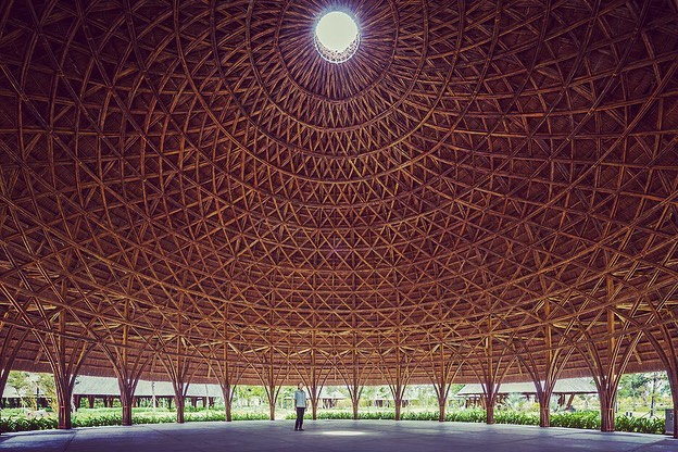 💚 Bamboo Ceremony Dome in Son La City, Vietnam by VTN Architects . . #bamboo #vernaculararchitecture
