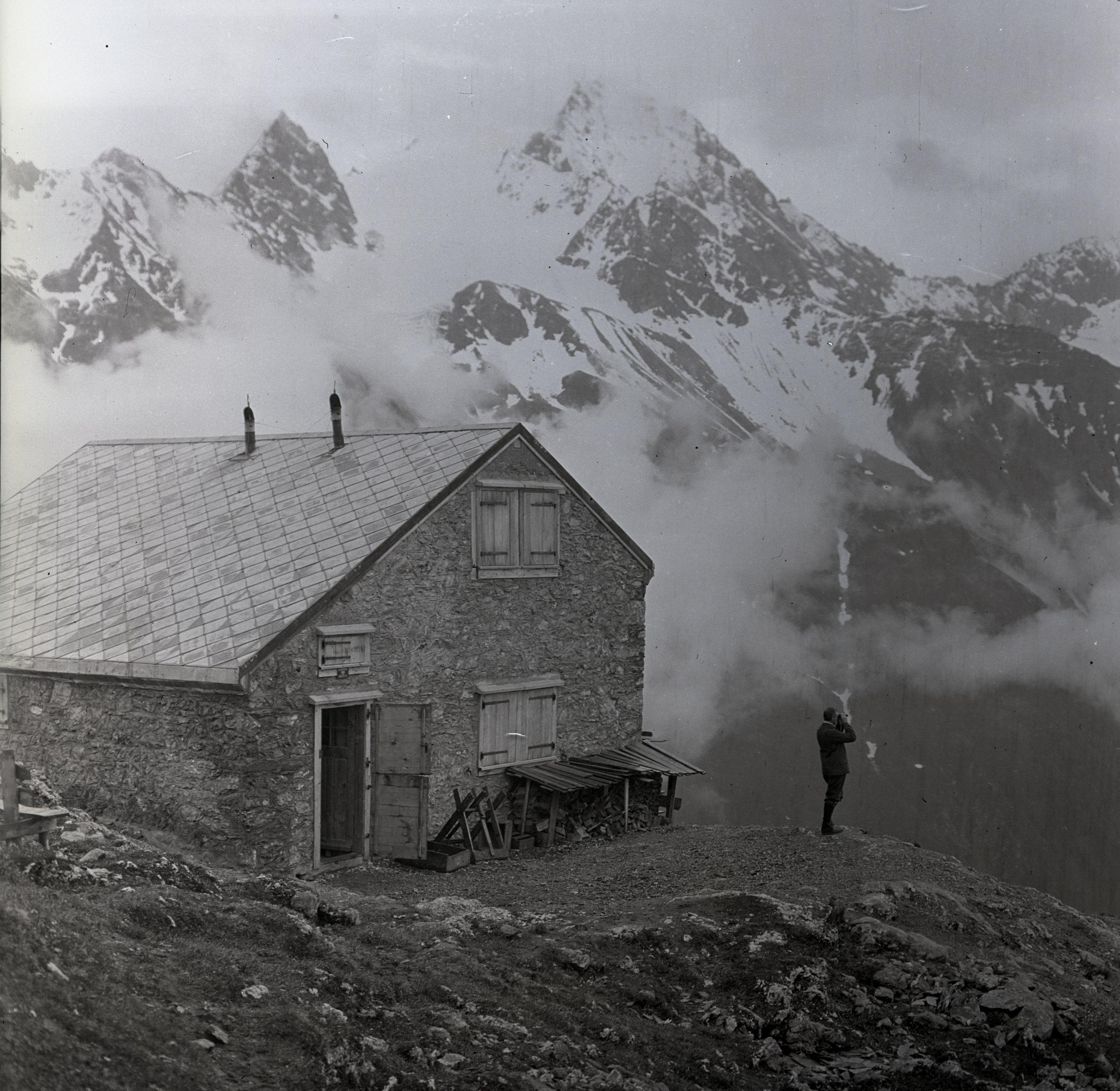 Windgällenhütte, circa 1911