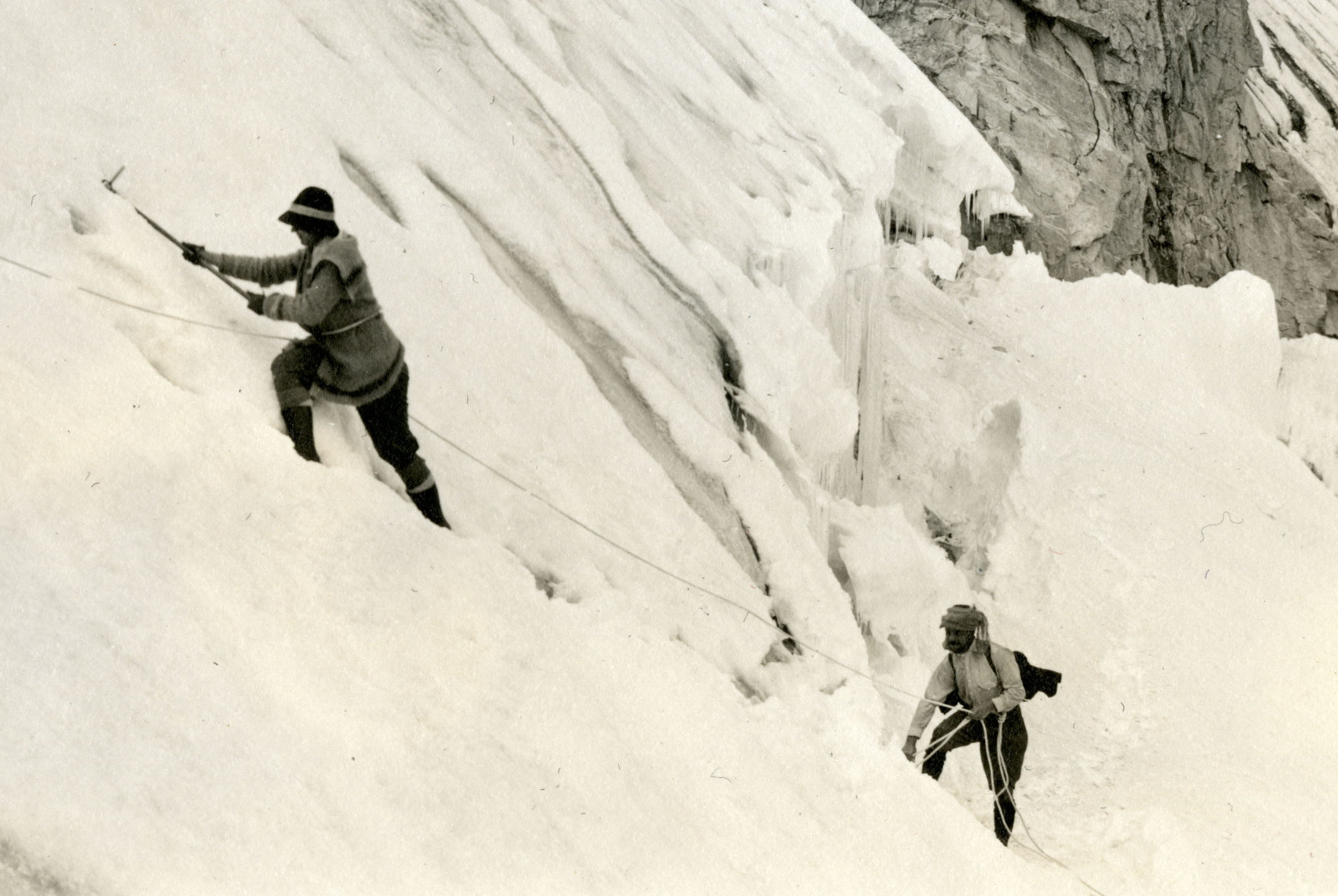 Elmina Buhl crossing Fremont Glacier in 1924