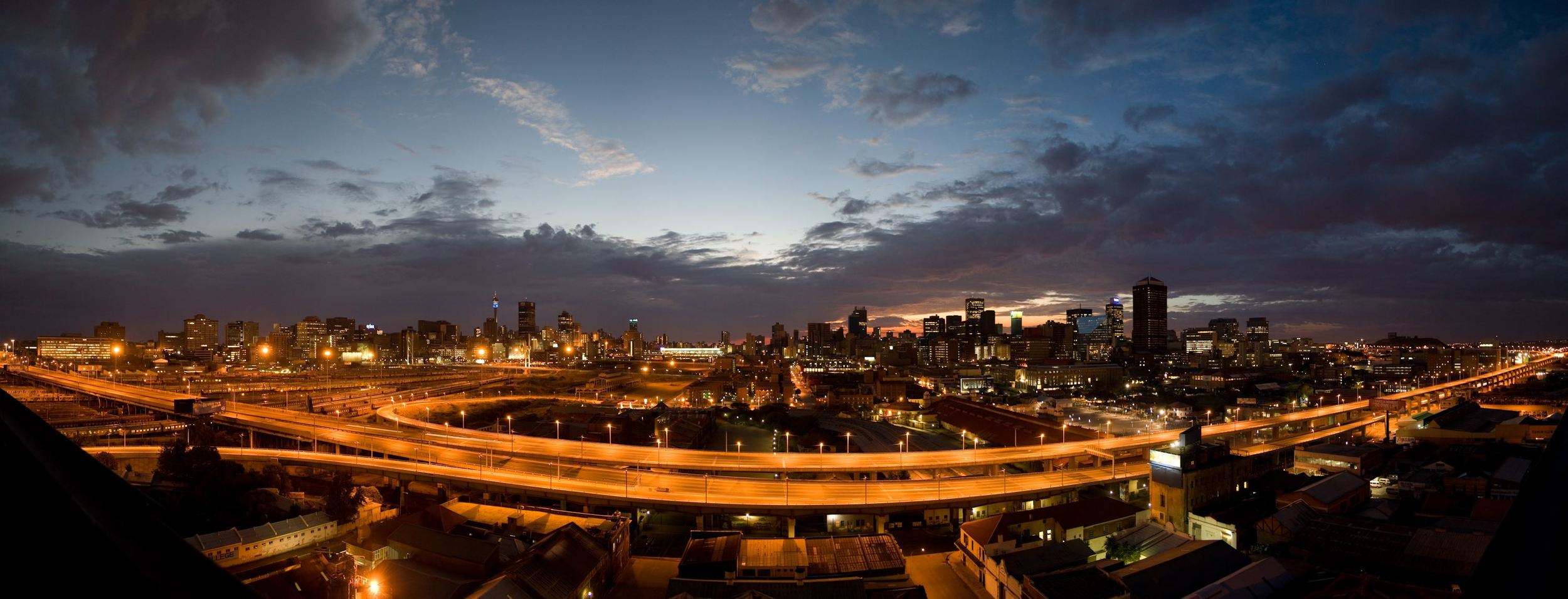 Johannesburg from the M1 highway. Source: Wikimedia Commons