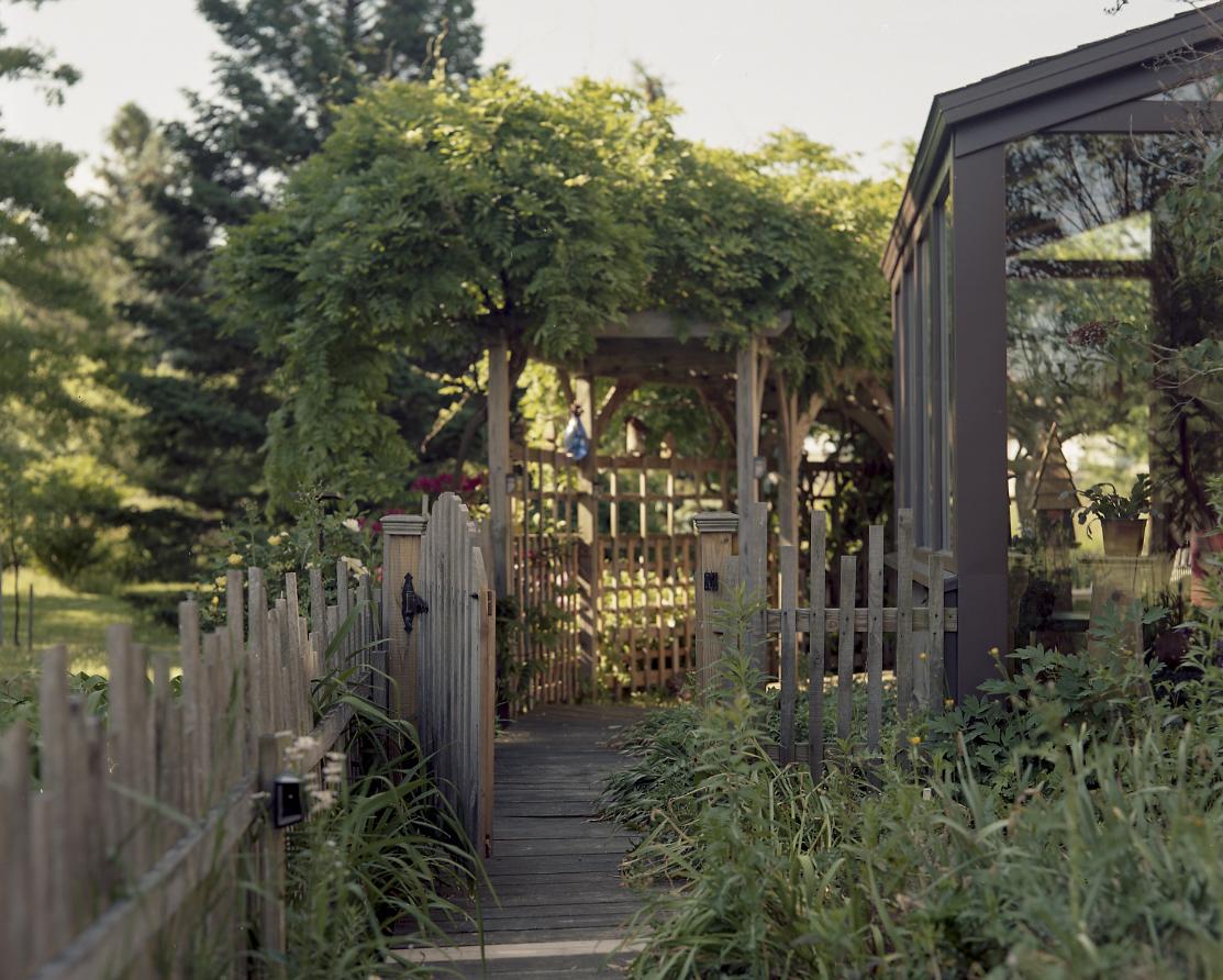 Garden_FrontPath001.jpg