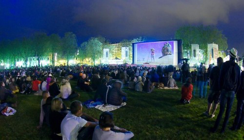 - Enjoying an outdoor screening at the Lakeside Promenade - Annecy, France