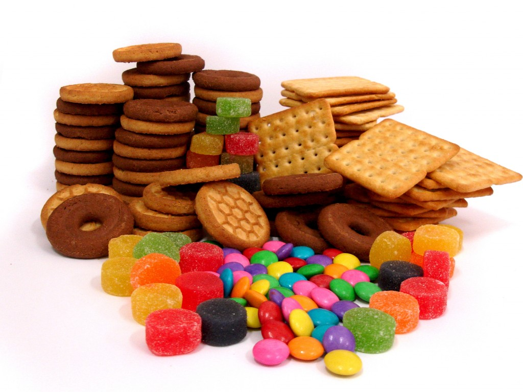 Crackers and candies. Refined carbohydrates can contribute to brain fog.