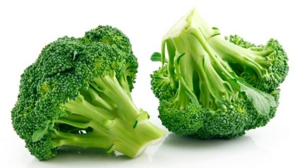 Broccoli has sulforaphane, an antioxidant that can support the blood-brain barrier.