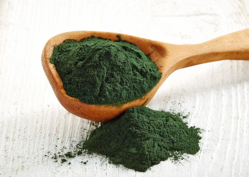 A spoonful of spirulina. Spirulina is an excellent source of iron. An iron deficiency can increase anxiety and make you more anxious.