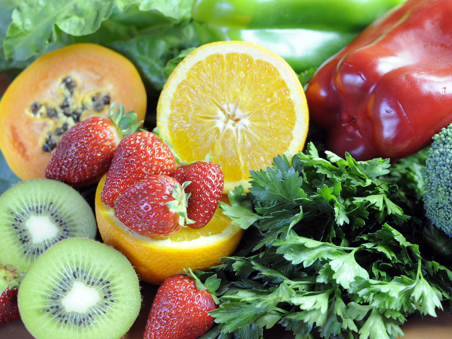 An image of fruits rich in antioxidants. Antioxidants can reduce anxiety.