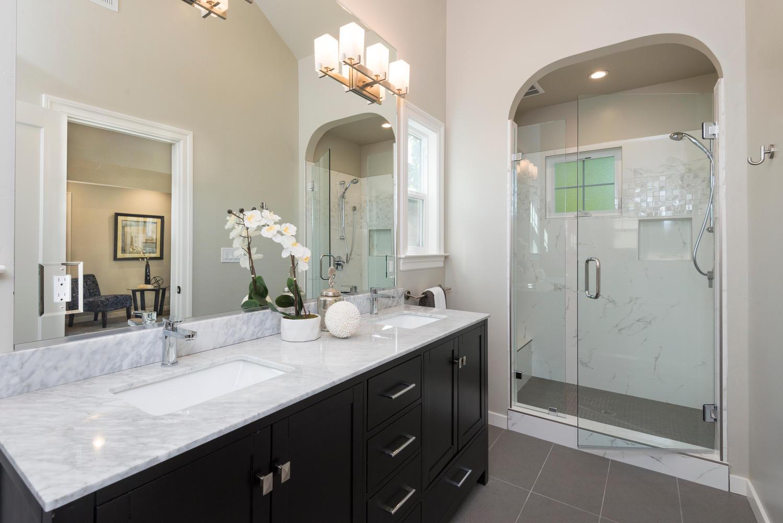 1475 Curtiss Ave San Jose CA-large-020-Bathroom-1498x1000-72dpi.jpg