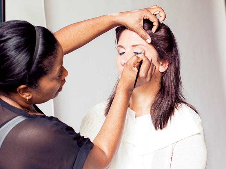 Mom-makeover-makeup-artist-holiday-14-walmart-780.jpg
