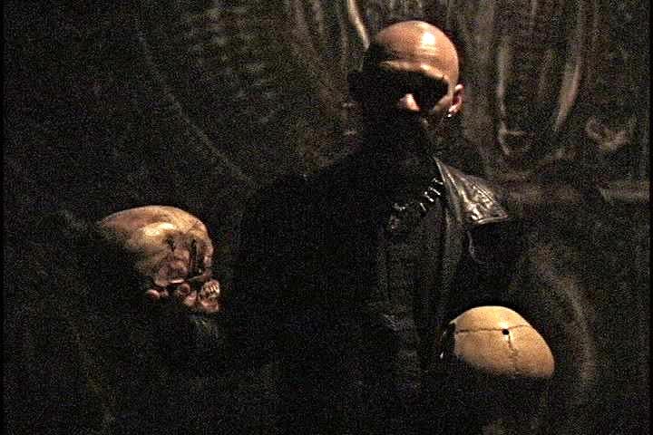 rex_and_2_skulls_blowup.jpg
