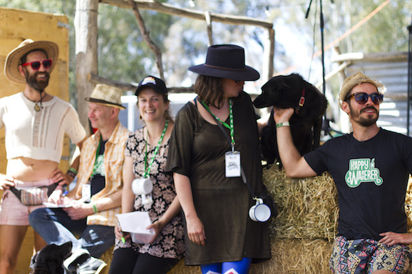 Happy Wanderer 5_Image Credit Pete Barfoot - awelllovedtruck_Duck race family_happy wanderer_210.JPG