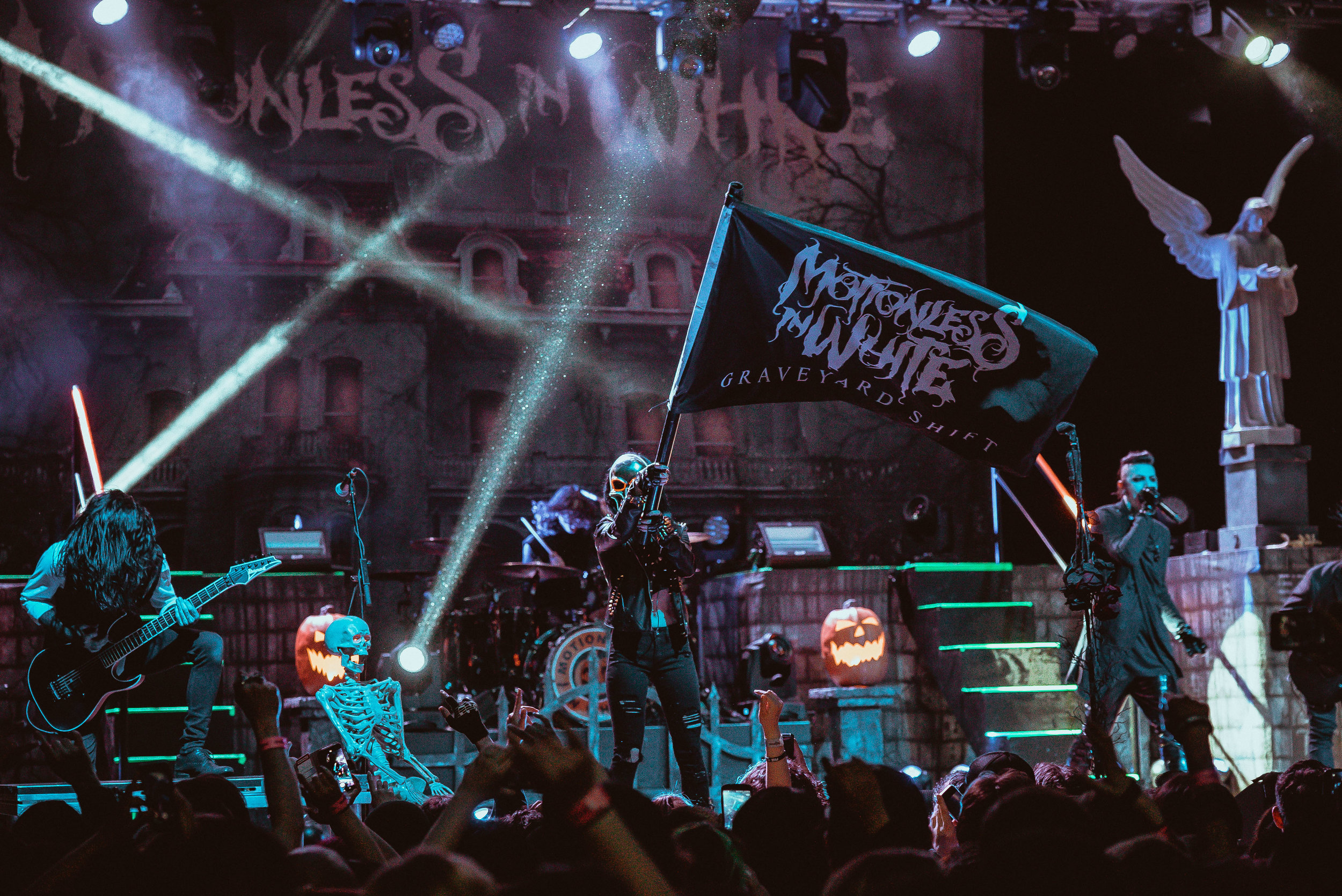 Motionless In White (Credit: Toby Hughes)