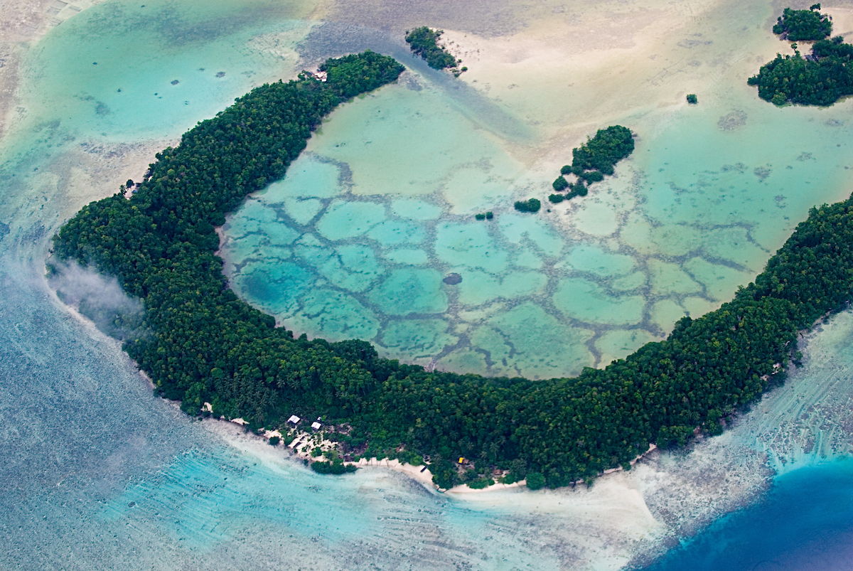 Arnavon_Islands_Solomons_001.jpg