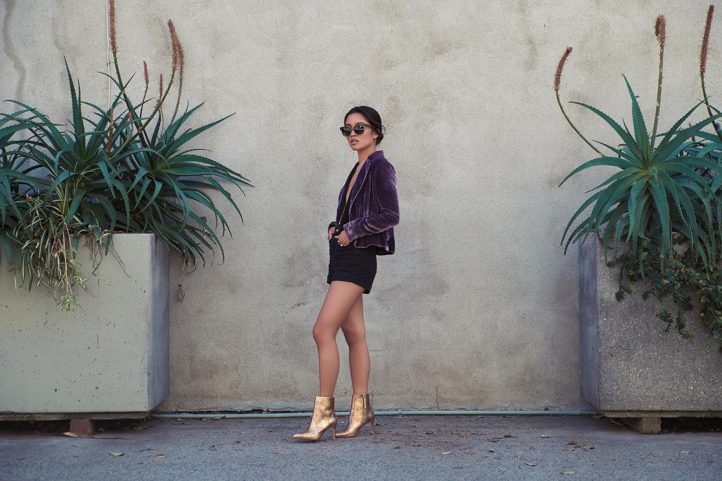 bcbg blazer (  s.  ) | missguided suit (  s.  ) | AA   shorts   | zara boots (  s.  ) | TT   choker   |TGK   necklace   | chloé sunnies (  s.  )                                                                                  photos by    sean martin