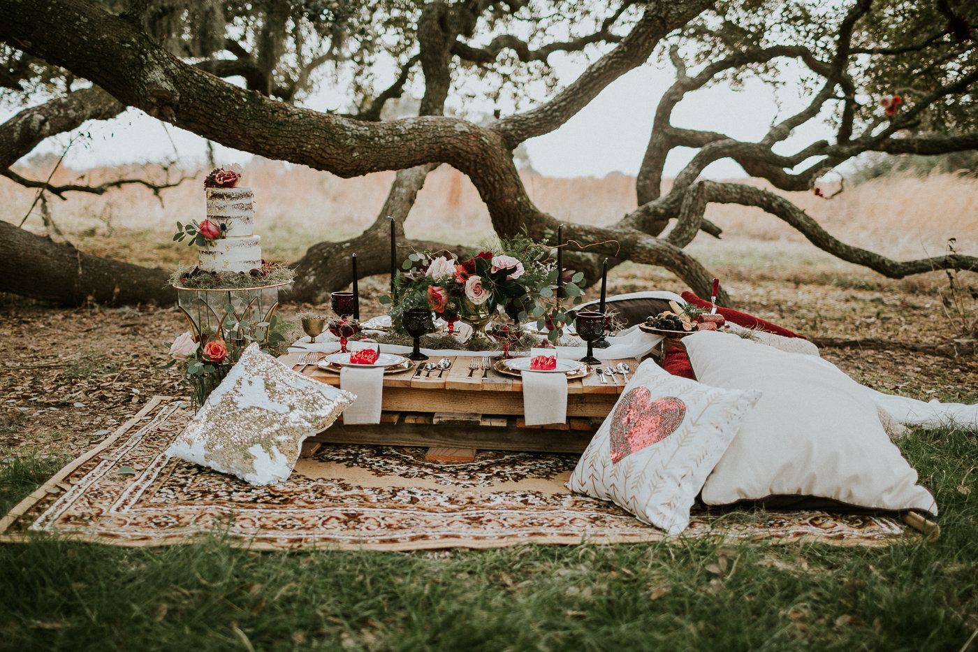vintage rock and roll wedding tablescape in the forest