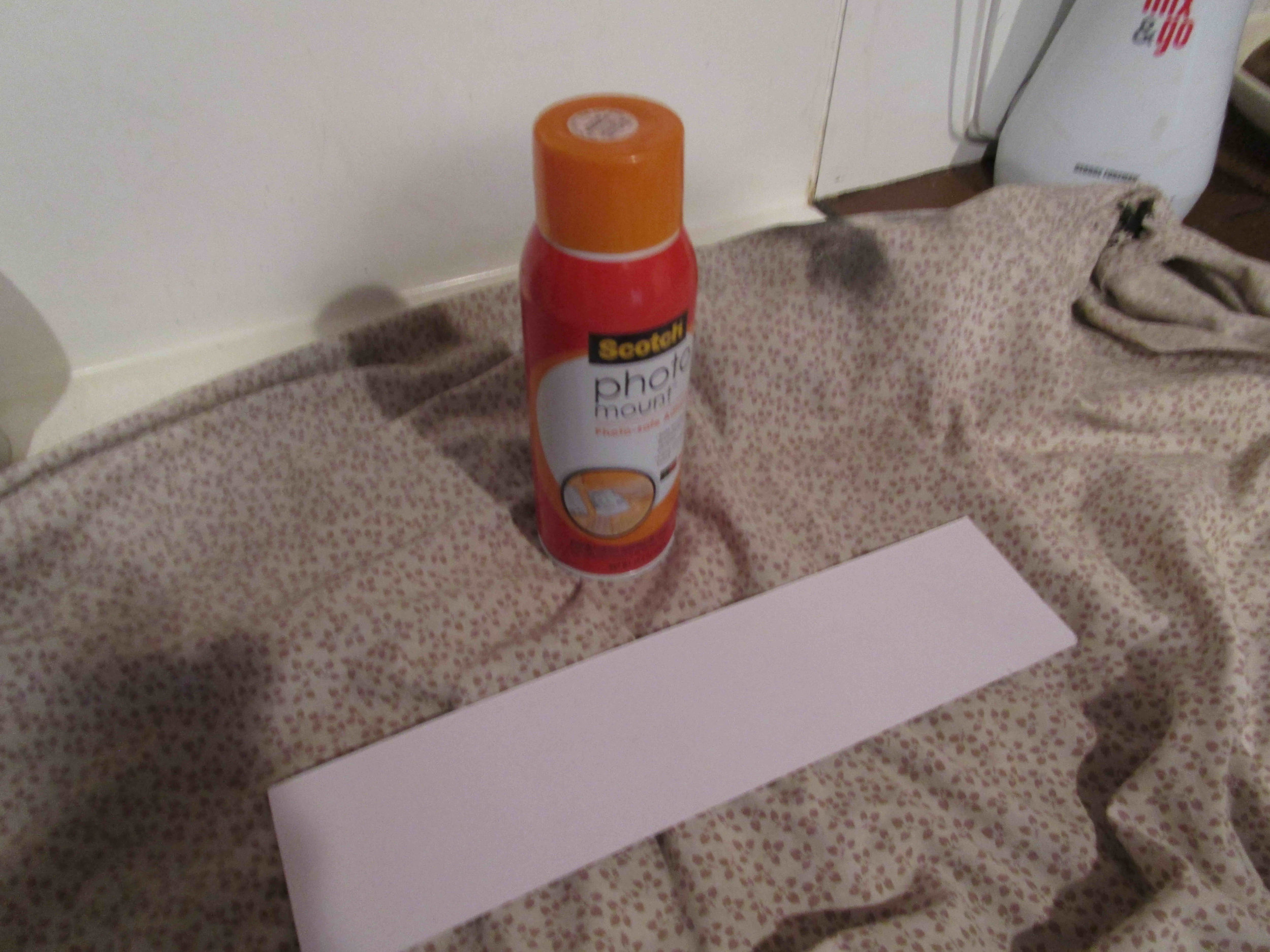 Photo glue, also use on large surfaces such as the top and bottom box linings