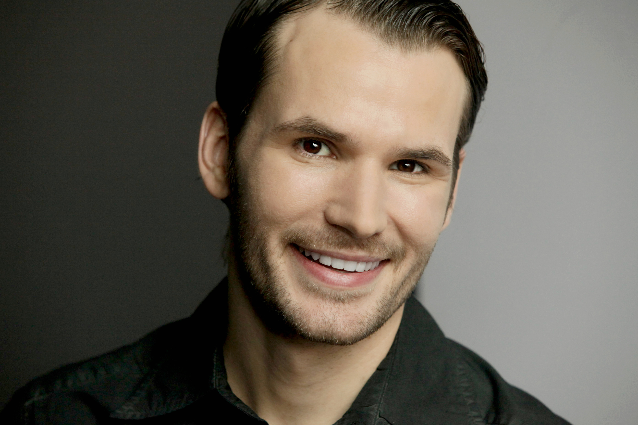 Gerard Flores smile.jpg