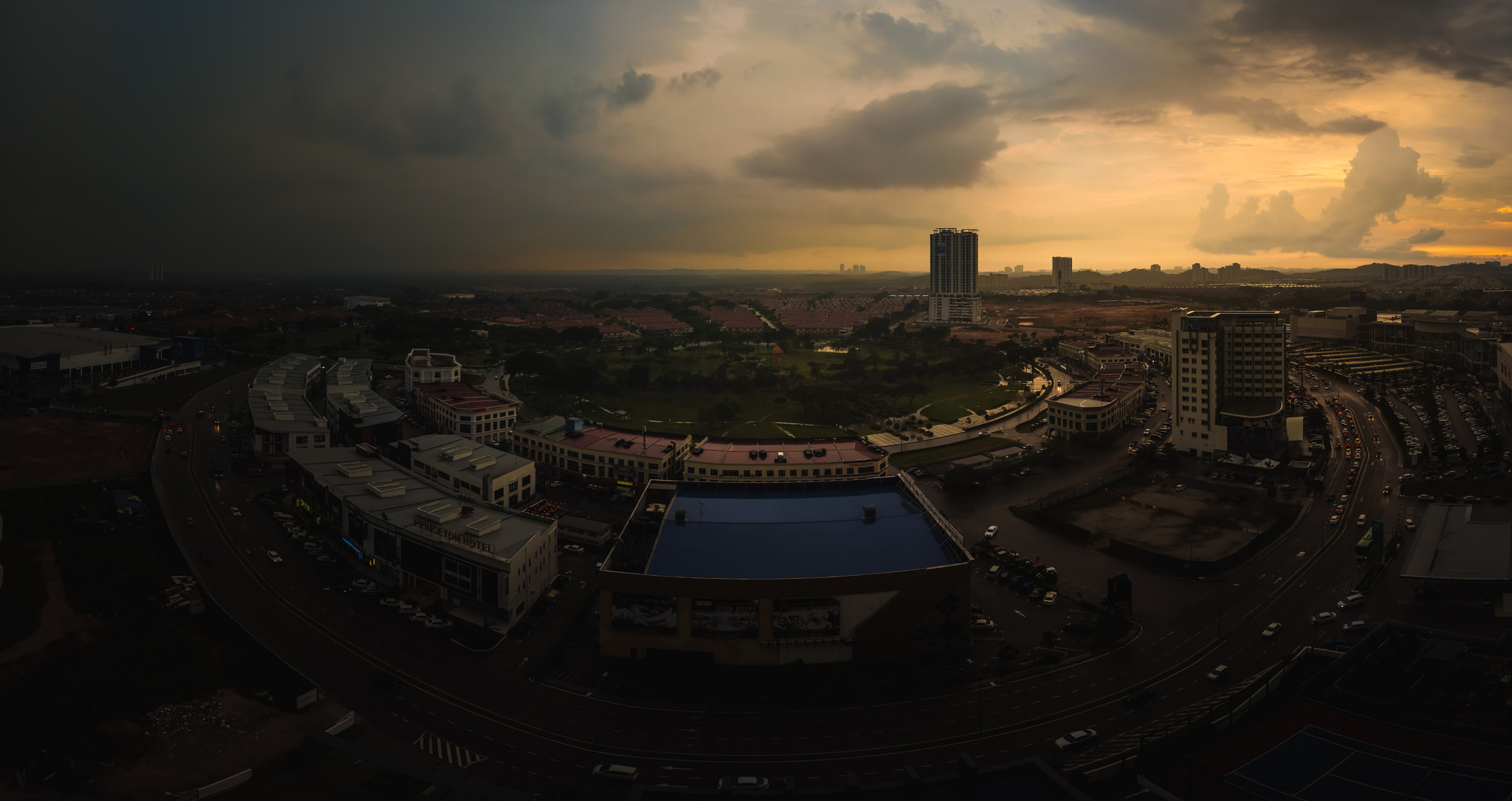 Bukit Indah, Evening Monsoon
