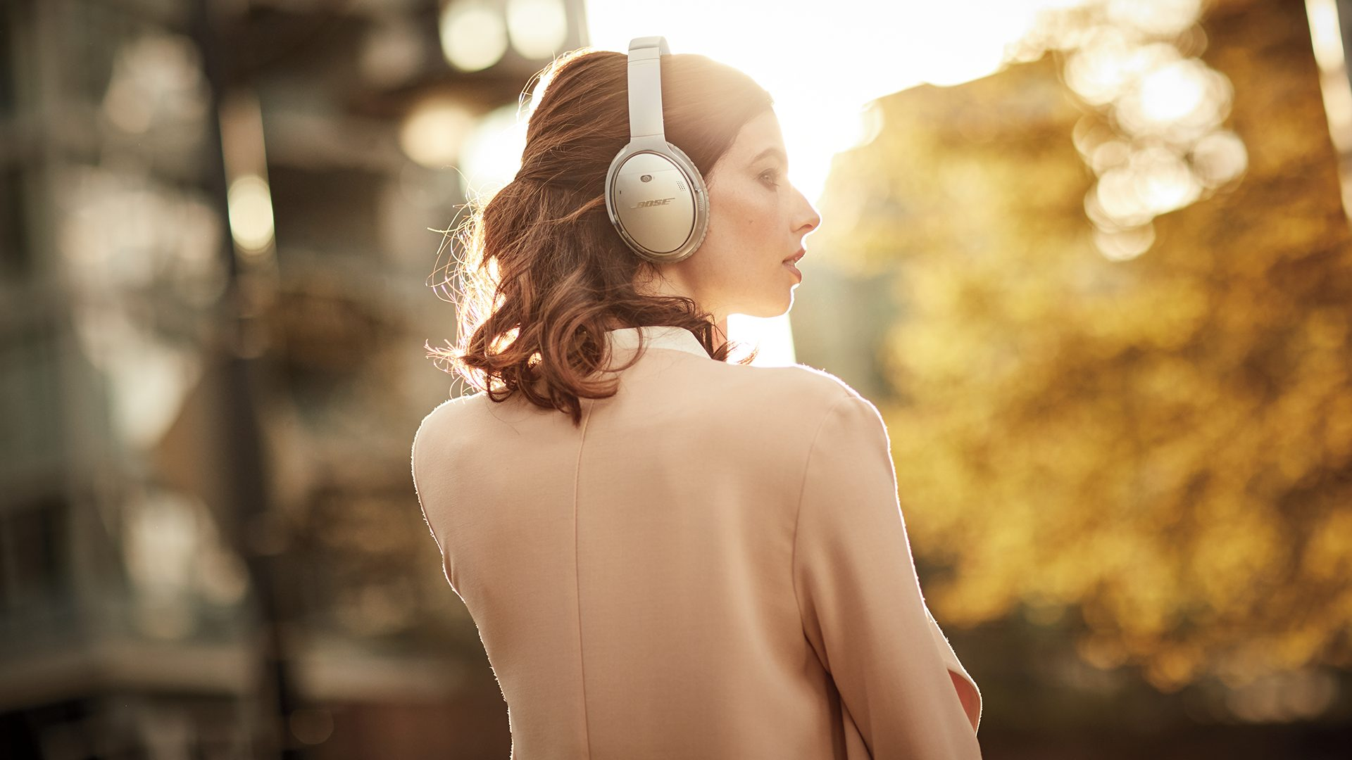 Design Lead for Alexa Mobile Accessories - I worked as the Design Lead on Alexa Mobile Accessory (AMA) to bring Alexa to the Bose QC35II headphones.
