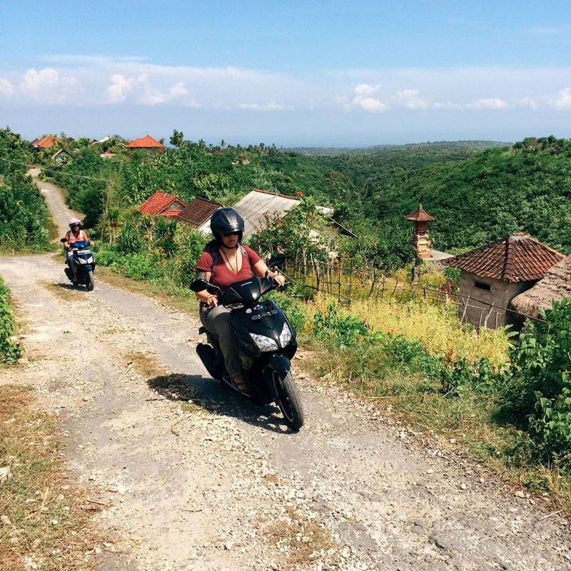 INDONESIA -  My friend Delisa and me driving motorbikes in Nusa Penida.