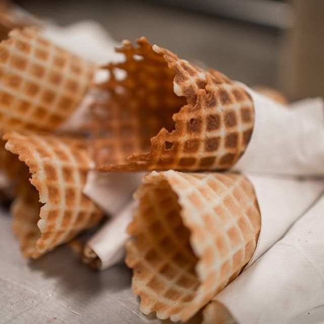 Did you know we make our own fresh waffle cones every day in house?  When it's baking time, the smell is too good to be true.  You can taste how fresh they are with every bite!  Only an extra $1 to make any bowl a cone. Come see us this week and make your day sweeter. 😍⠀ __________ • • • • • • • #tasteandseecreamery #homemadeicecream #buzzfeedfood #samples #shopsmallbusiness #fantasticflavors #icecreamery #butfirstdessert #thisisredding #reddingcalifornia #mtshastamall #shastastrong #gourmeticecream