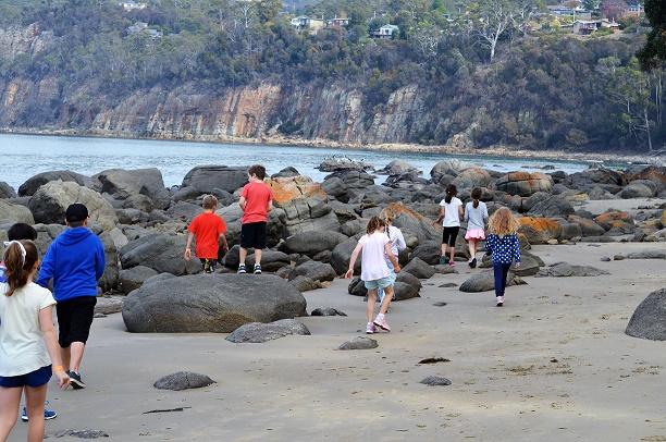 Holy Rosary OSHC Exploring Taroona Beach