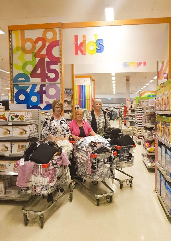 shopping KHH ladiesshopping ladies 600pxW.jpg