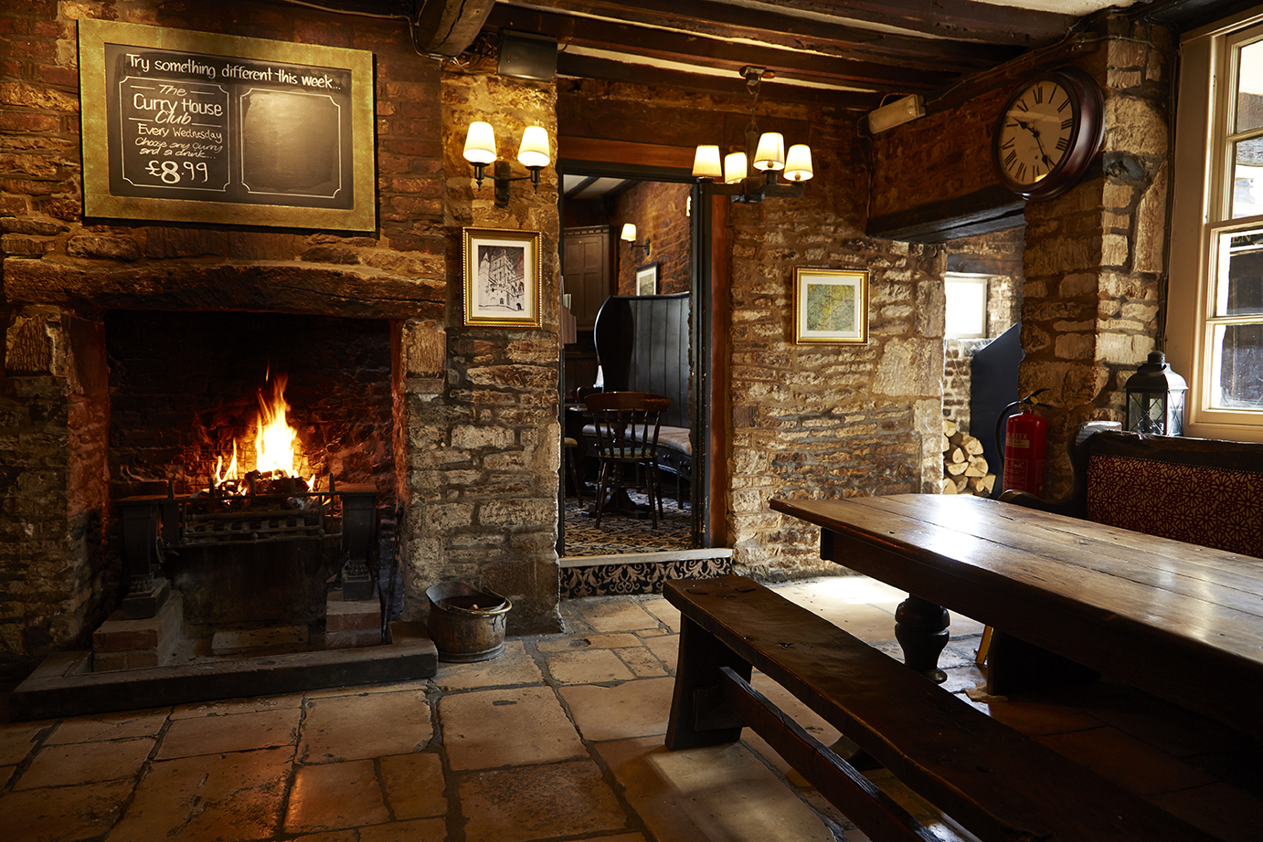 hunters hall photography interior photography property photography old english inns oei greene king dining.jpg