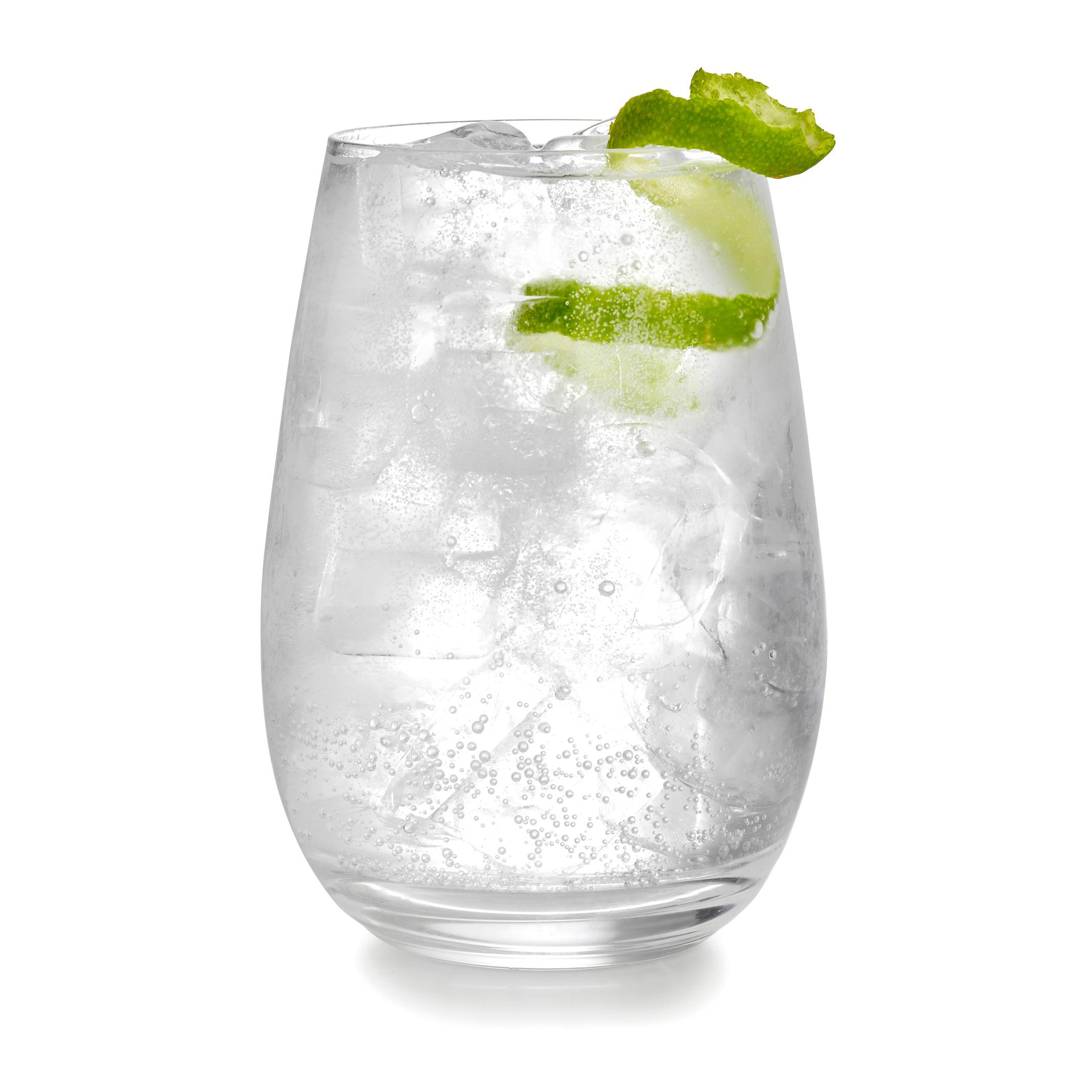 Gin-tonic-lime-packshot-drink-photography.jpg