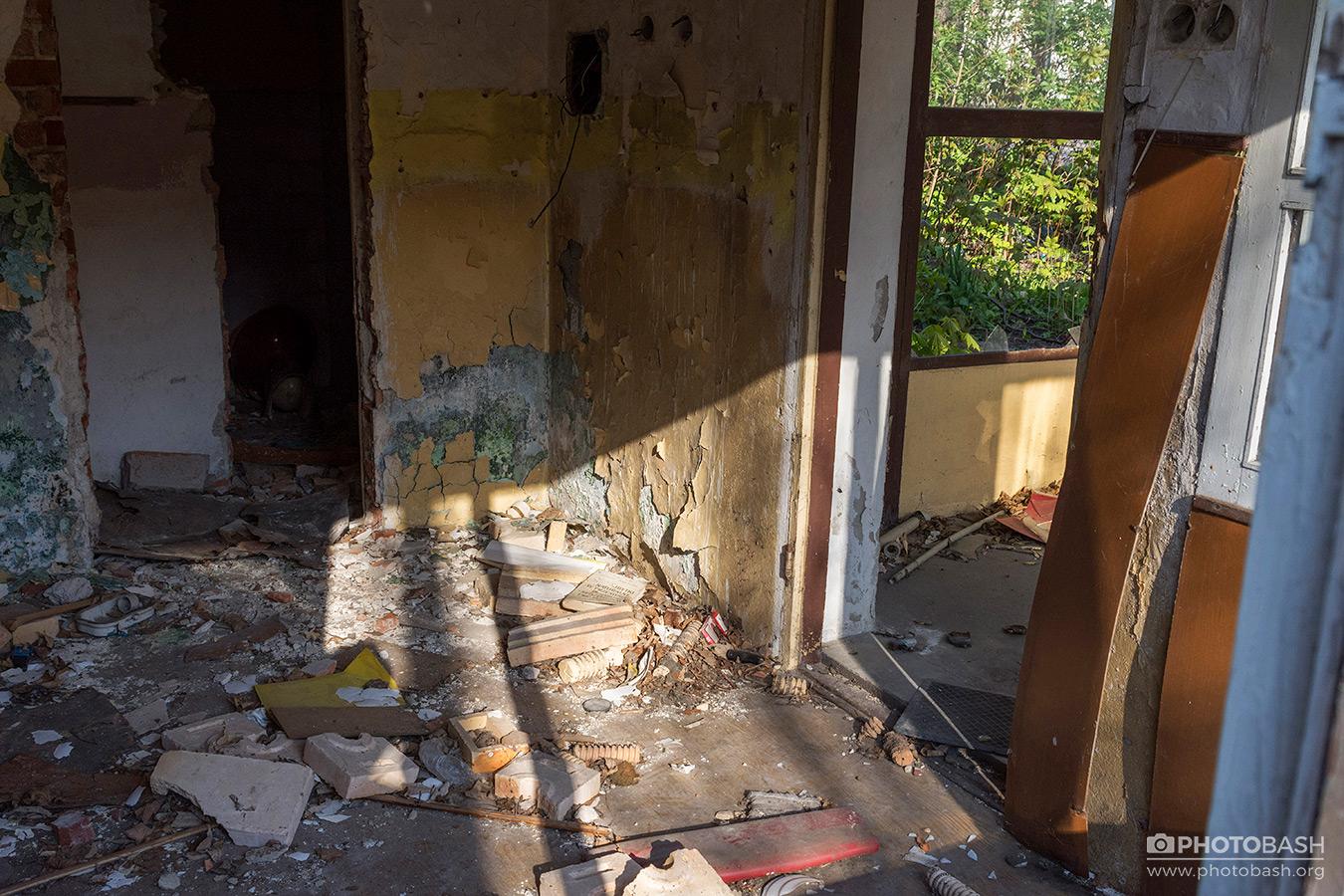 Abandoned-Interiors-Derelict-House.jpg