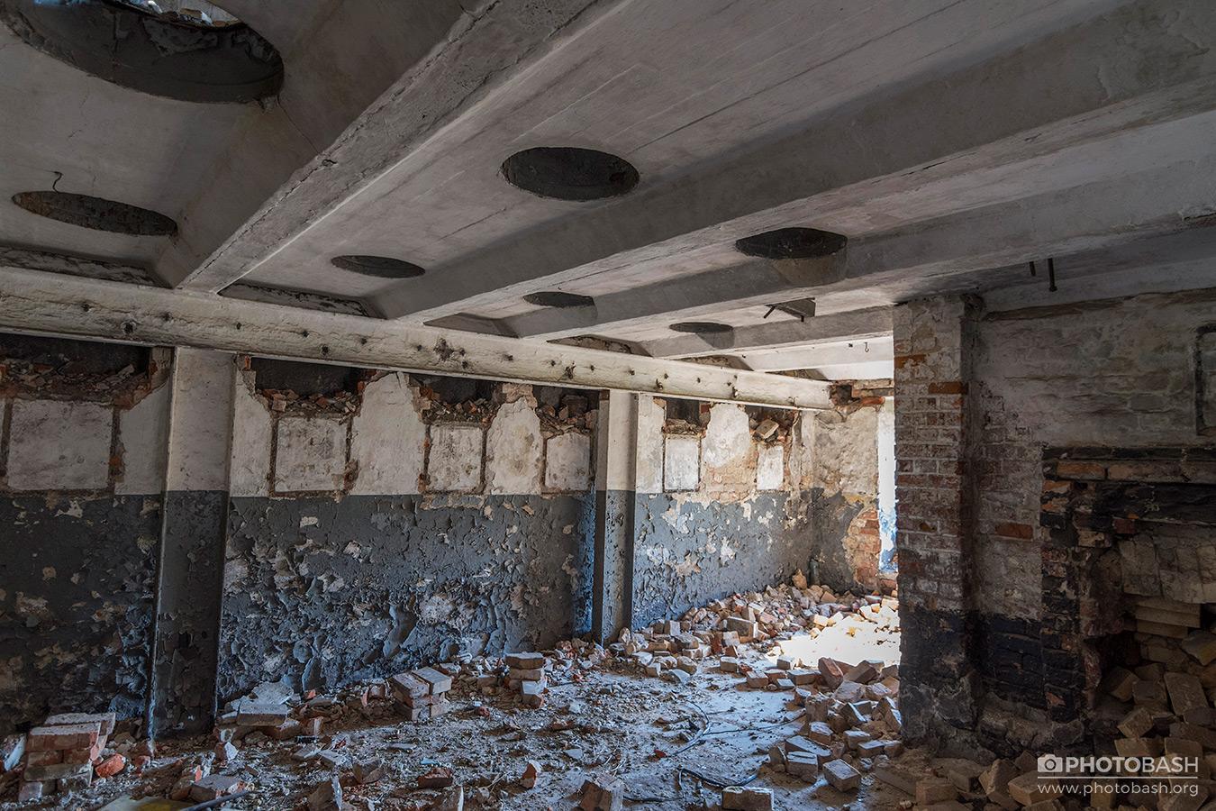 Abandoned-Interiors-Urban-Exploration.jpg