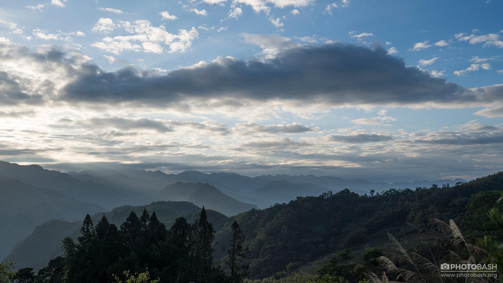 Alishan-Mountains-Misty-Valley.jpg