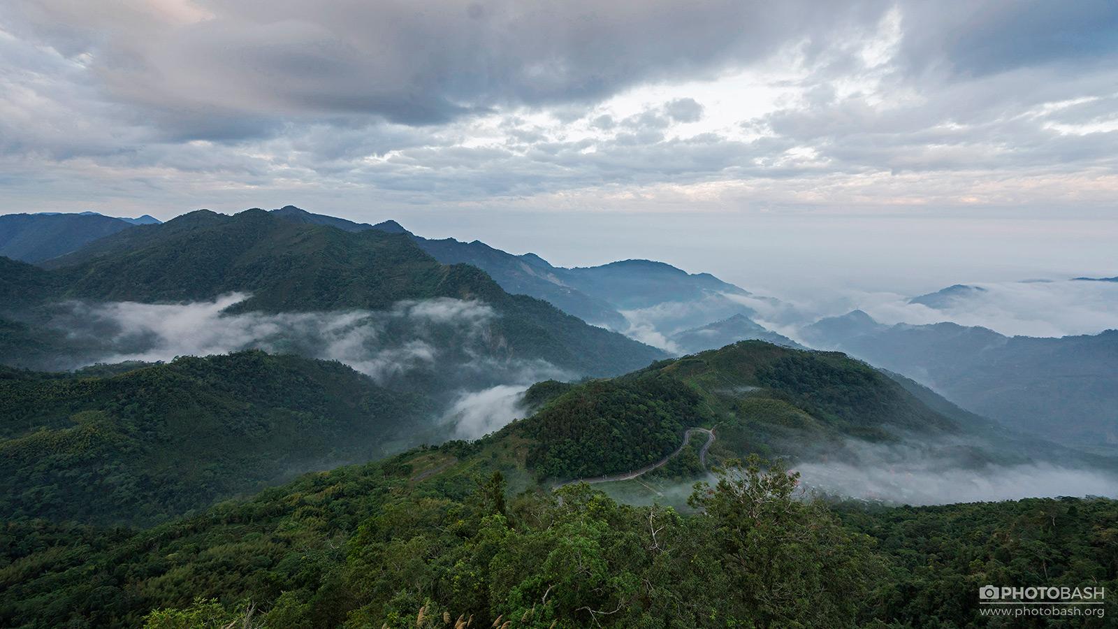Alishan-Mountains-Misty-Valley-Landscape.jpg