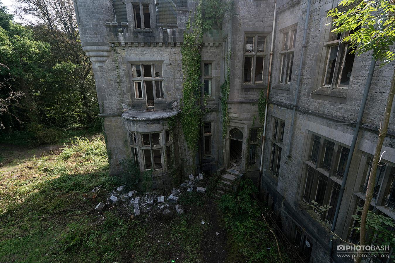 Overgrown-Castle-Fantasy-Facade.jpg