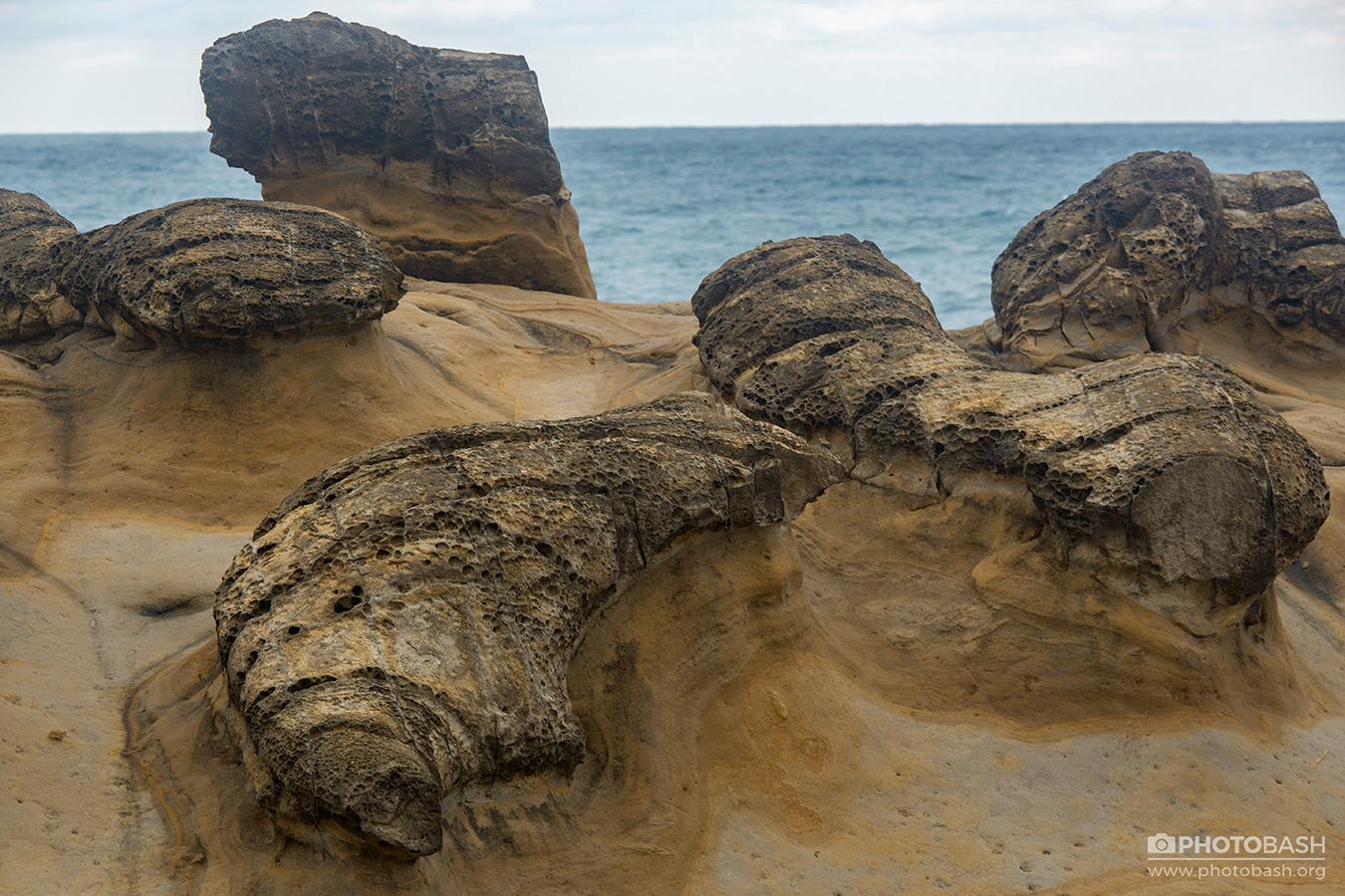 Porous-Rocks-Arid--Hoodoos.jpg