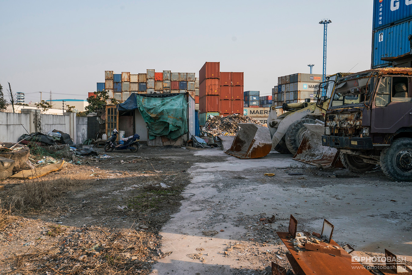 Shipping-Containers-Harbor-Location.jpg