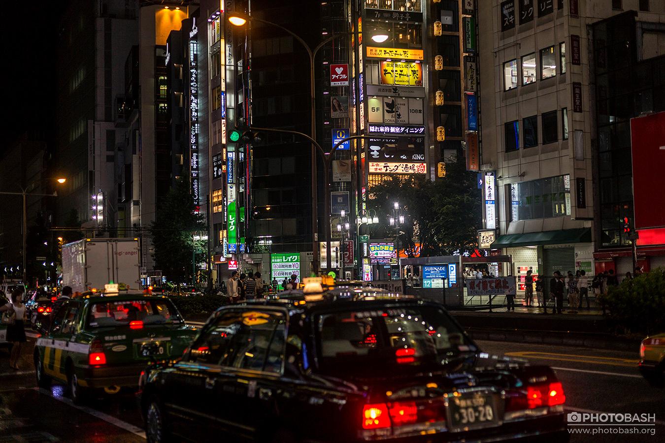 Tokyo-Cyberpunk-Shinjuku-Traffic.jpg